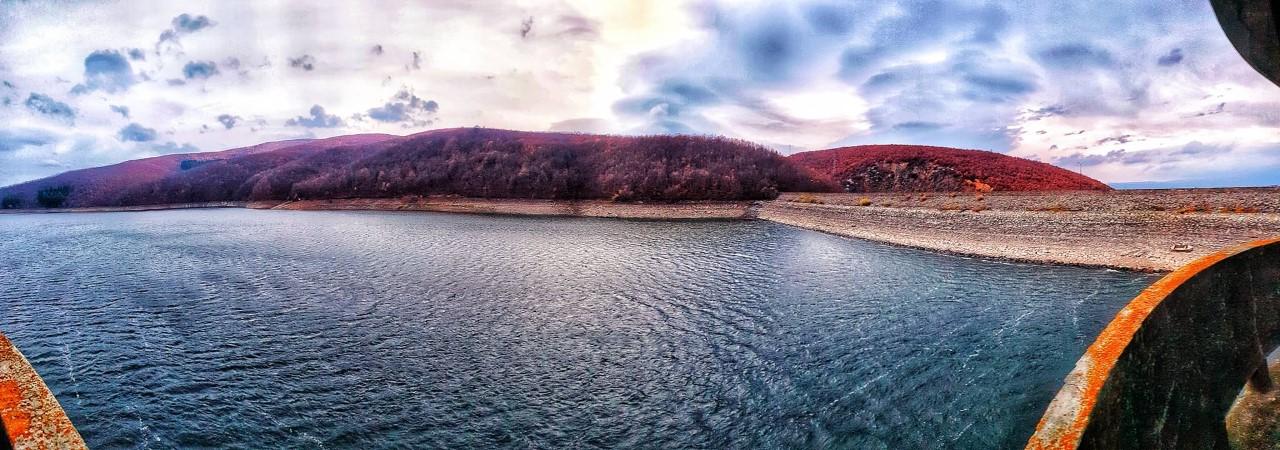 Niveli i ujit në liqenet akumuluese sipërfaqësore Batllava e Badoci,