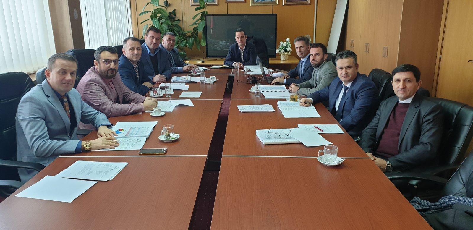 """Takim përmbyllës i Bordit të Kompanisë Rajonale të Ujësjellësit """" Prishtina"""" sh.a. dhe zyrtarëve të lartë, për vitin 2019."""