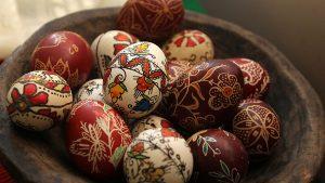 Për shumë mot Pashkët të gjithë besimtarëve katolik!