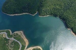 Niveli i ujit në liqenet akumuluese Batllava e Badoci