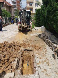 Vazhdon intervenimi në zonat e shërbimit,riparime në sistemin e rrjetit të ujësjellësit