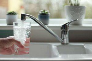 Në afat rekord sanohet gypi i ujit në Fushë Kosovë,