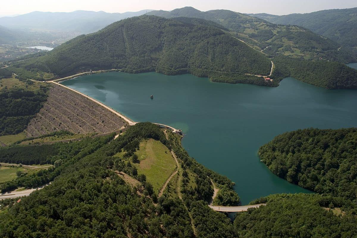 """KRU """" Prishtina """" bën thirrje për pagesa të shërbimeve për ujë dhe kanalizim,"""