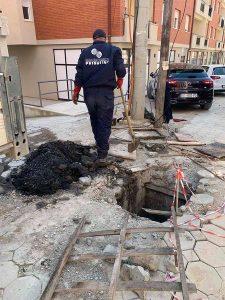 """Ekipet e mirëmbajtjes së rrjetit të kanalizimit të KRU"""" Prishtina"""""""