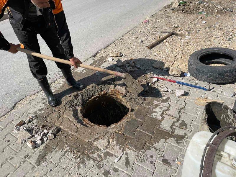 Zhbllokime e pastrime të pusetave të kanalizimit