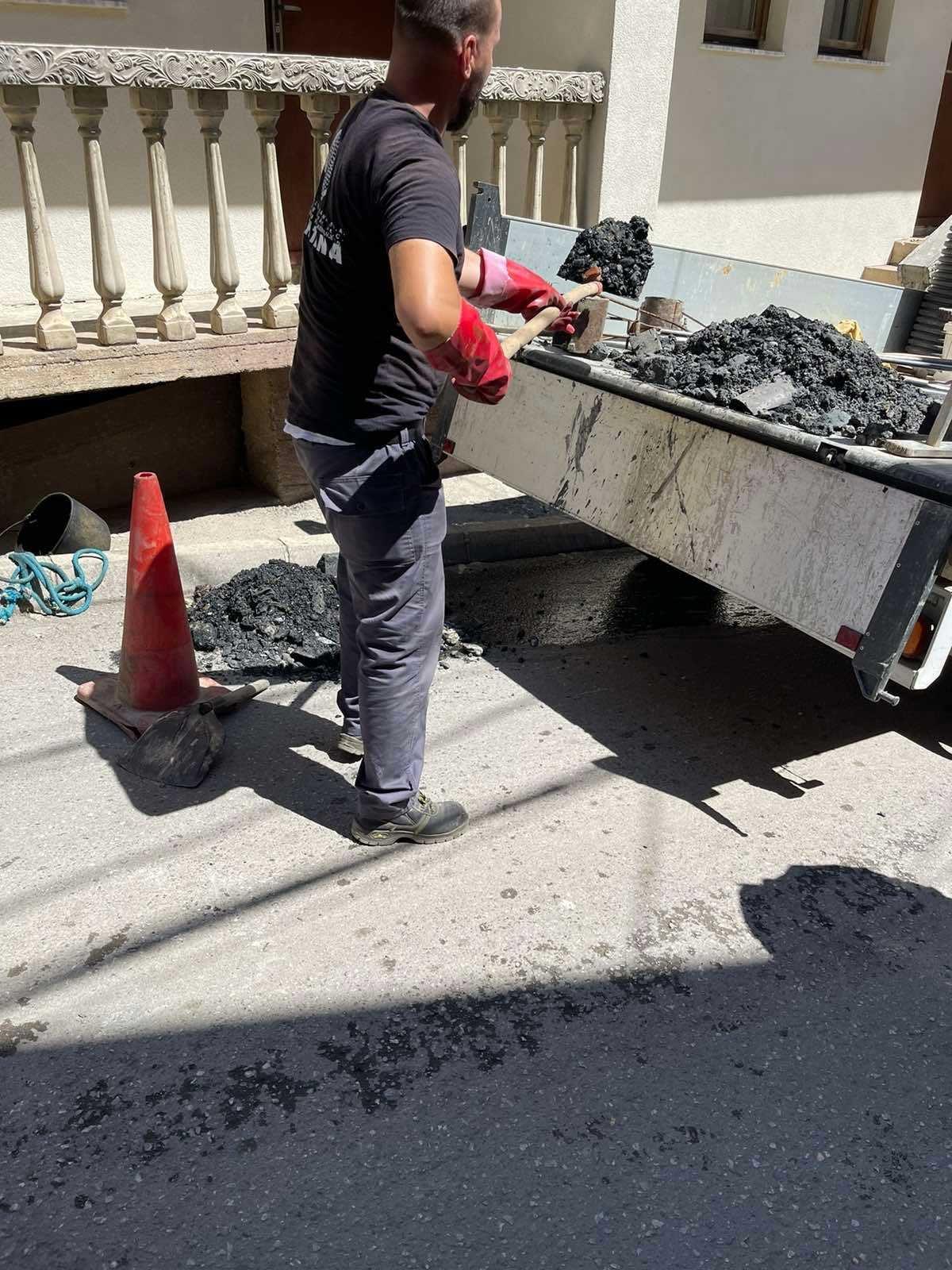 Pastrohen e zhbllokohen dhjetëra puseta kanalizimesh